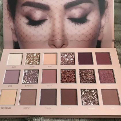 سایه چشم 18 رنگ Nude Huda Beauty