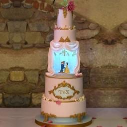 کیک سفارشی 5 طبقه دیو و دلبر