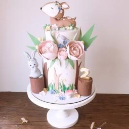 کیک تولد سفارشی آهو 2 طبقه