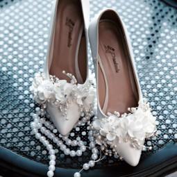 کفش عروس سفید گلدار 2504