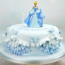 کیک سفارشی سیندرلا و پروانه